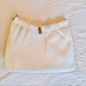 Vintage Andé White Leather clamshell clutch bag